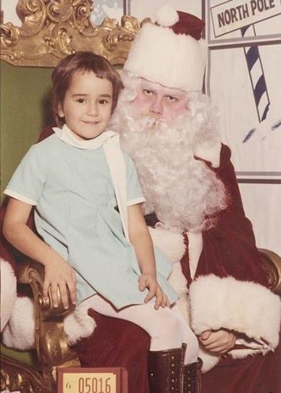 Funny, Weird, and Scary Santa Pics & Vids - CreepySantaPhotos.com-1