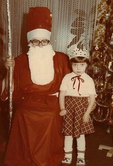 Scared of Santa | Funny, Weird, and Scary Santa Pics & Vids - CreepySantaPhotos.com-5