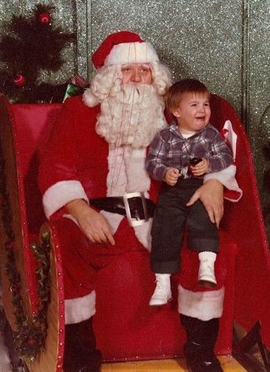 Scared of Santa | Funny, Weird, and Scary Santa Pics & Vids - CreepySantaPhotos.com-6