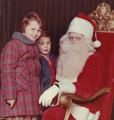 Scared of Santa | Funny, Weird, and Scary Santa Pics & Vids - CreepySantaPhotos.com-7