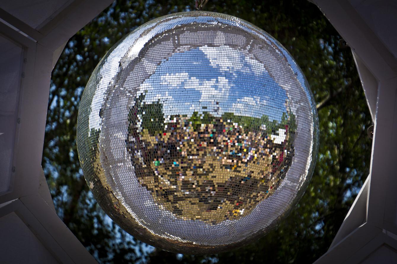 festival 2014 disco ball